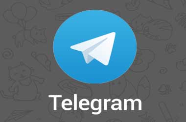 Russians Protest Telegram Ban By Flying Paper Airplanes