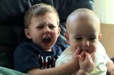 "Popular ""Charlie bit my finger"" YouTube Video Sold as NFT for $760K"